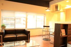 カッコ良いだけでなく、居心地の良いカフェのような雰囲気に